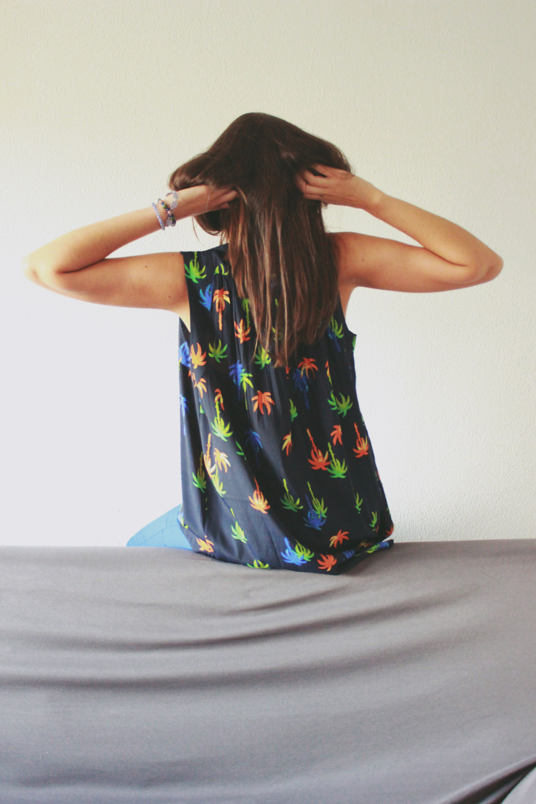 9 blusa asos palmeras